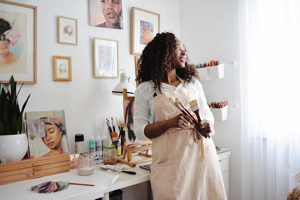 Brenda Brudet in studio